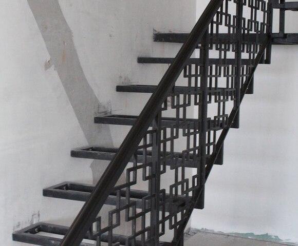 Лестница металлическая DF14 1