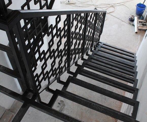 Лестница металлическая DF14 3