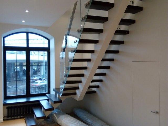 Лестница на монокосоуре DF7 2