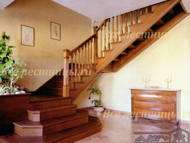 Деревянная лестница D-2 1