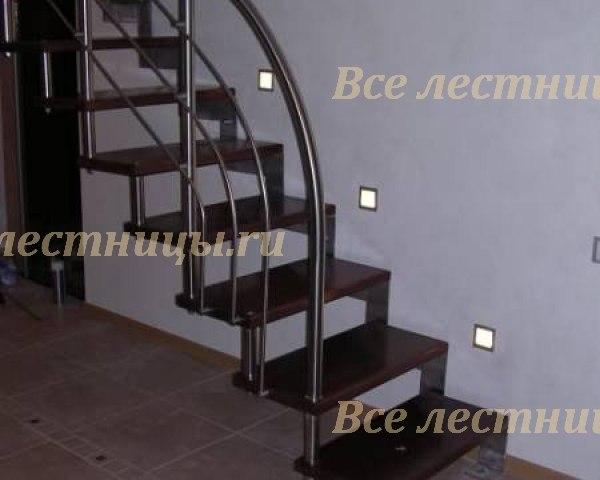 Лестница на металлическом каркасе M-06 1