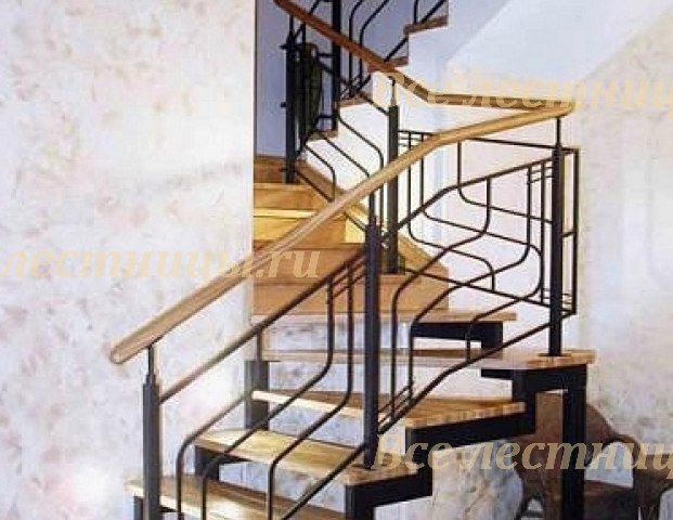 Лестница на металлическом каркасе CS 21 1