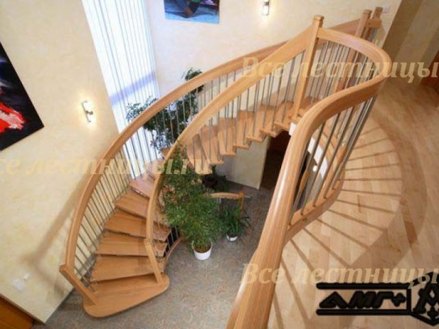 Деревянная лестница D-16 1