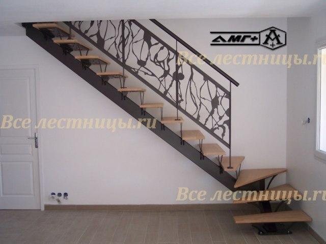 Лестница на металлическом каркасе M-18 1