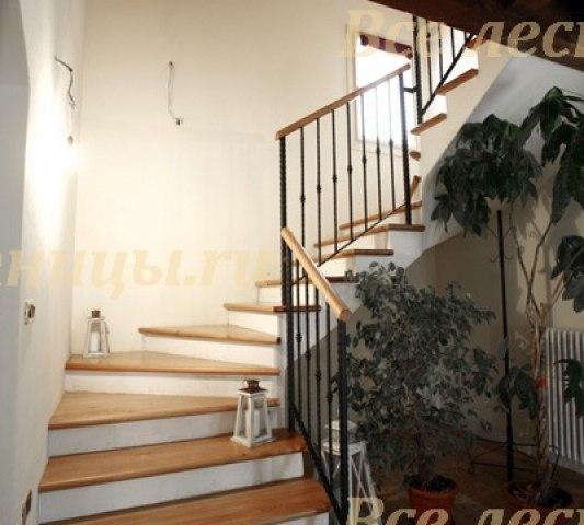 Деревянная лестница D-71 1
