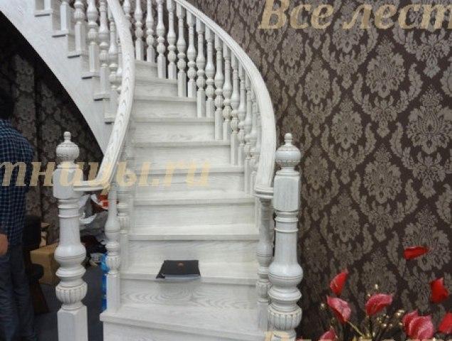Деревянная лестница D-73 1