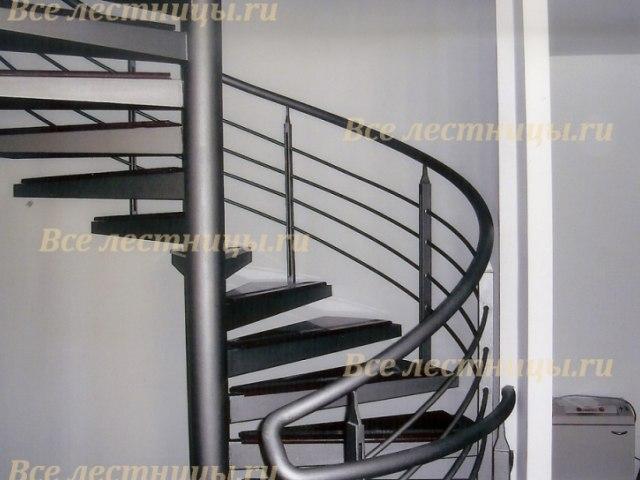 Лестница на металлическом каркасе M-61 1