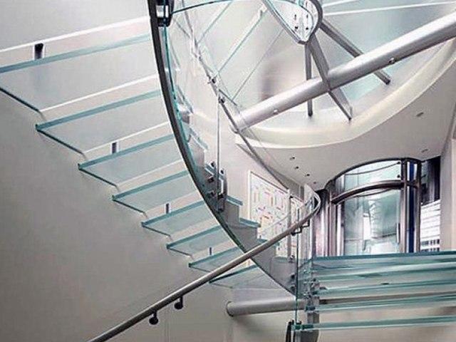 Лестница на металлическом каркасе М-77 1