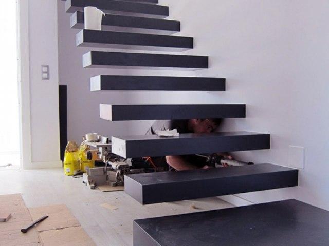 Лестница консольная HL_25 1