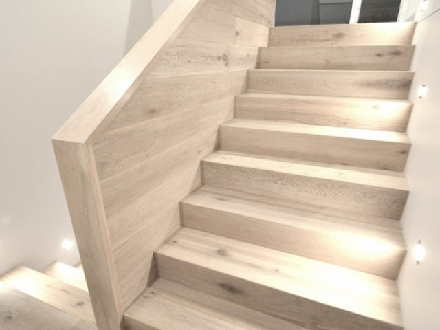 Деревянная лестница D-90 1