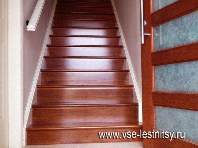 Деревянная лестница D-93 1