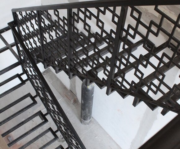 Лестница металлическая DF14 6