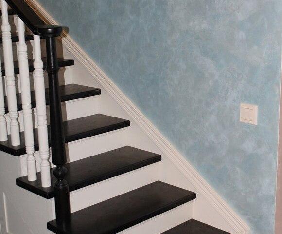 Деревянная лестница на косоурах DF4 1