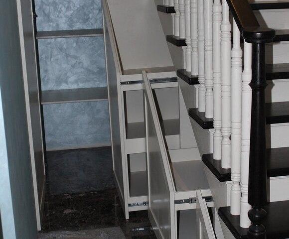 Деревянная лестница на косоурах DF4 2