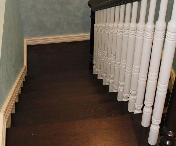 Деревянная лестница на косоурах DF4 4