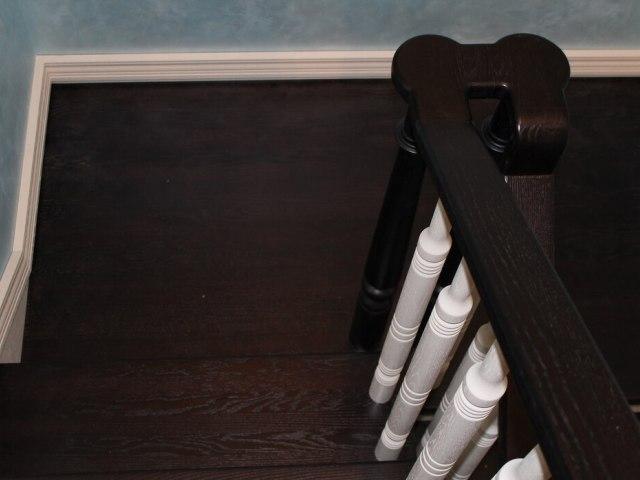 Деревянная лестница на косоурах DF4 6