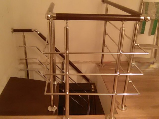 Винтовая лестница DF16 3