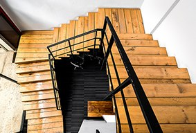 Скидка 15% на лестницы на металлокаркасе